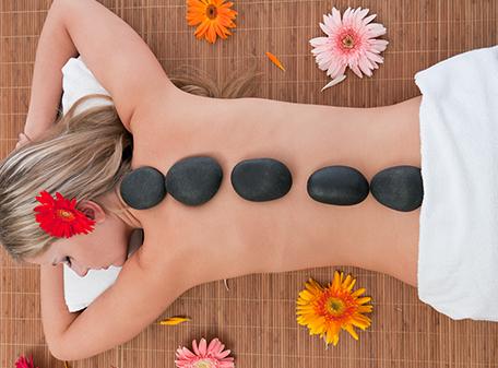 Massagem com Pedras Quentes e Frias