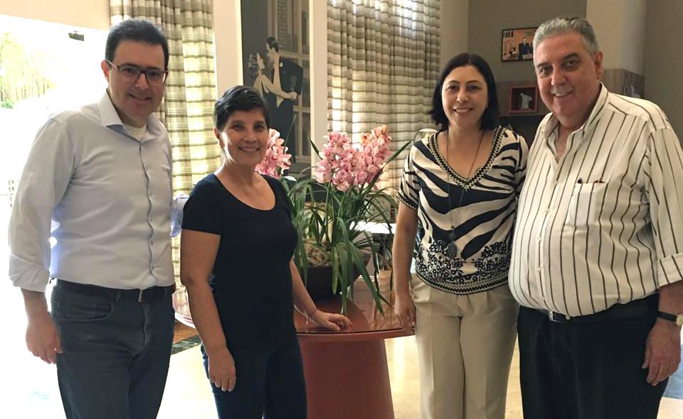 No dia 16 de outubro de 2019, a presidente do grupo EFAC, Marta Rocha, firmou contrato com o empresário boliviano Roberto Saavreda Bruno para implantação da Master Franquia da Rede EFAC na cidade de São Paulo.
